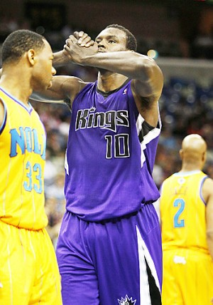 Sacramento center Samuel Dalembert (10) reacts after losing possession on Saturday in New Orleans during the Kings' 115-103 loss to the Hornets. AP photo